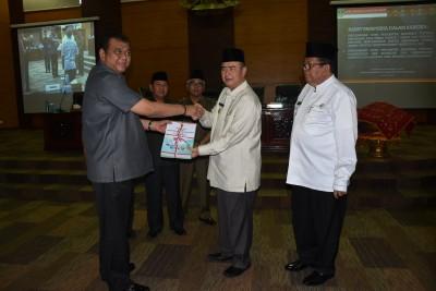 Rapat Paripurna DPRD Provinsi Sumatera Barat dalam rangka Penyampaian Nota Pengantar Gubernur