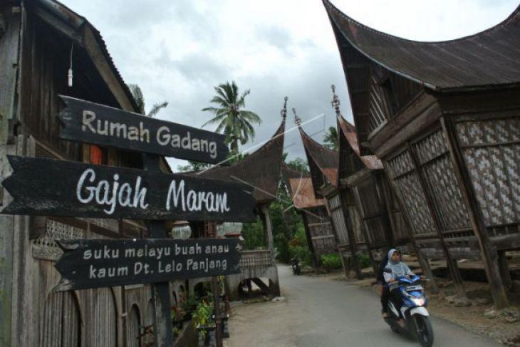 Ini Yang Menggerakan Hati Jokowi Merevitalisasi Kawasan Saribu Rumah Gadang